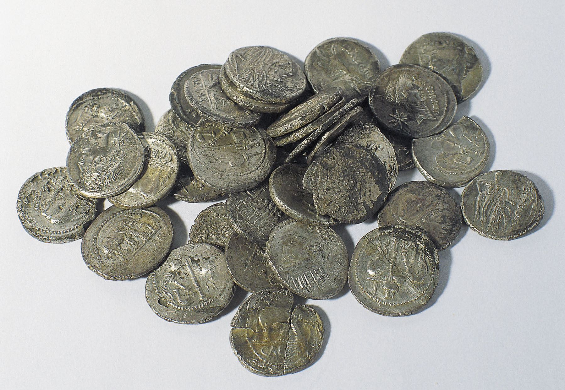 Diverses autoritats - Tresor de l'àgora d'Empúries - Poc després del 44 aC