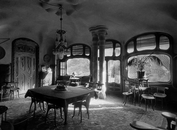 Antoni Gaudí - Confident - Cap a 1904-1906 [3]