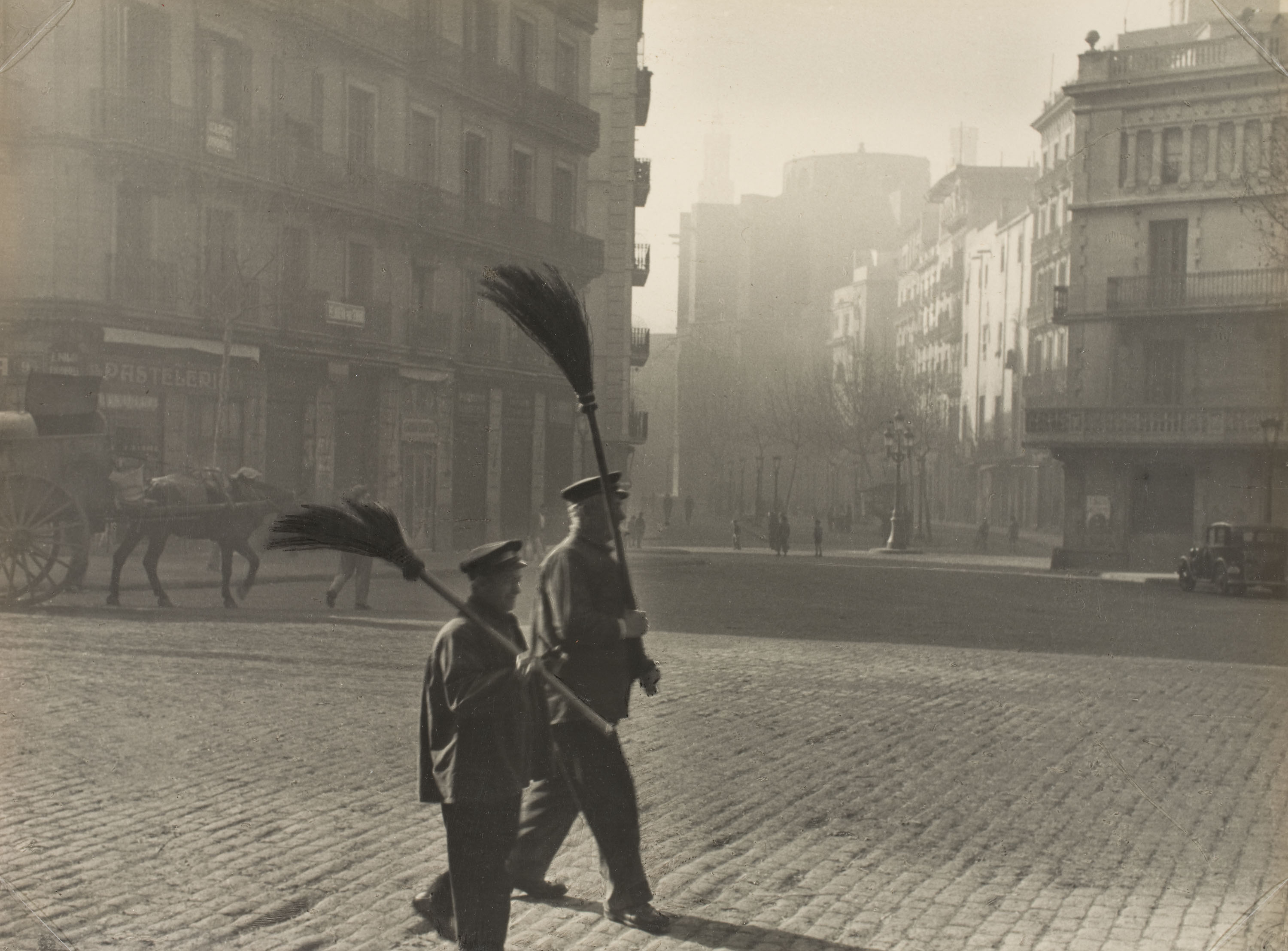 Otho Lloyd - Street sweepers in the quarter of La Ribera (Barcelona) - 1946