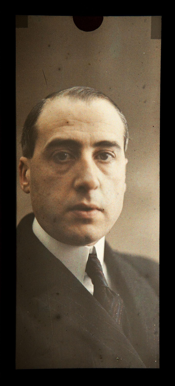 Francesc Carrera Bou - Retrat de Víctor Carrera Fontserè, fill de l'artista - Cap a 1924