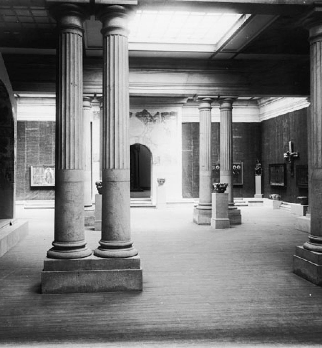 Anònim - Frontal d'altar d'Avià - Cap a 1200 [1]