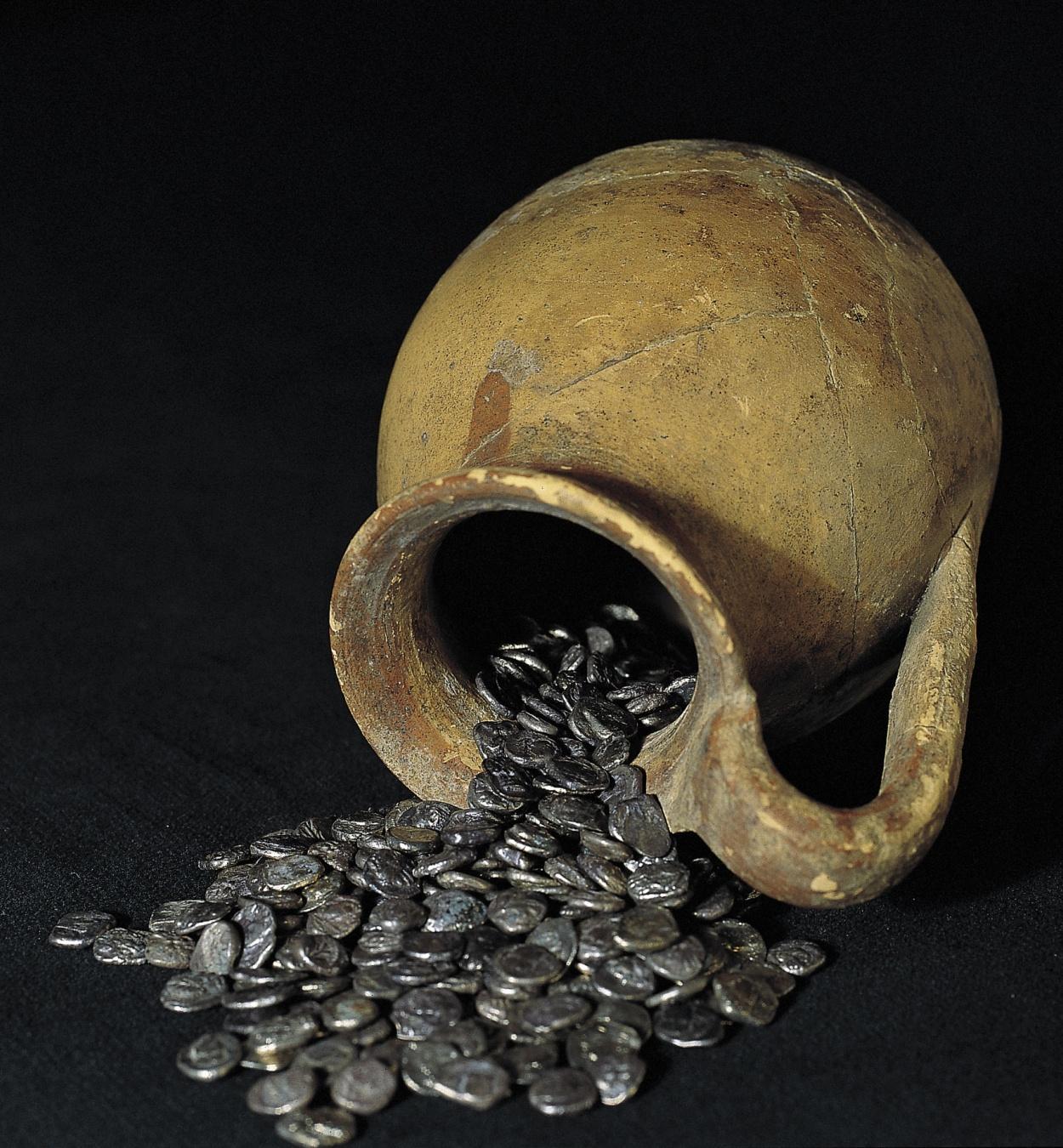 Diverses autoritats - Tresor de la neàpoli d'Empúries - 395-375 aC