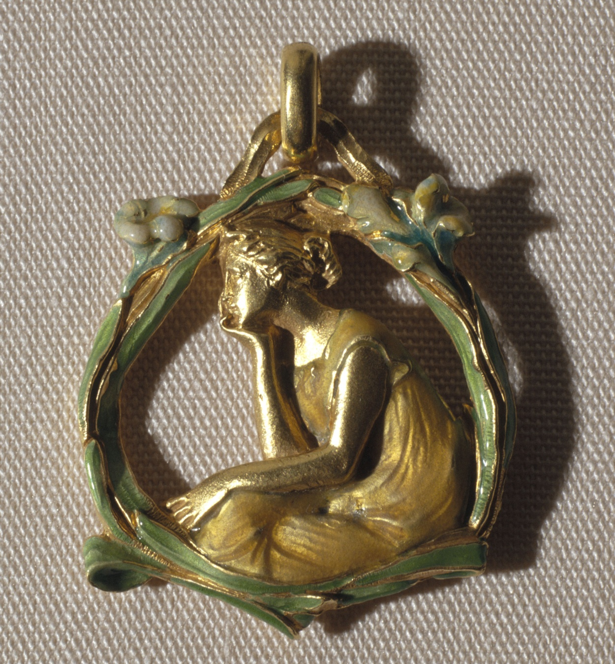Lluís Masriera - Pendant with figure in profile - Circa 1903