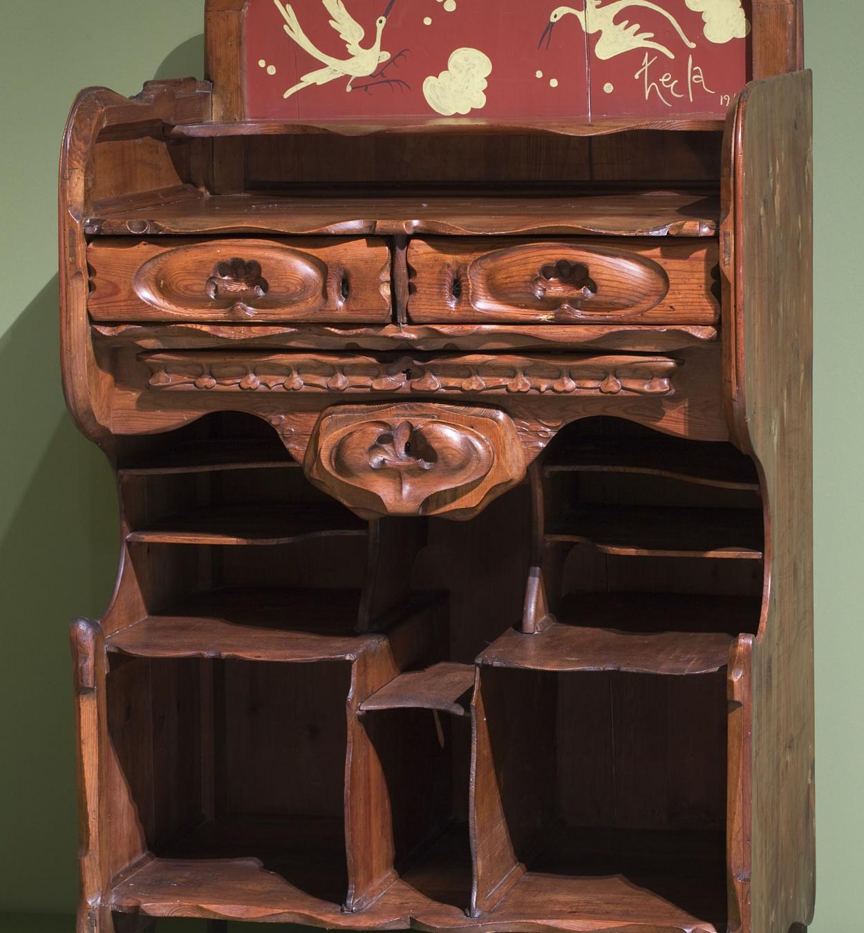 Josep Maria Jujol - Auxiliary office furniture - 1910
