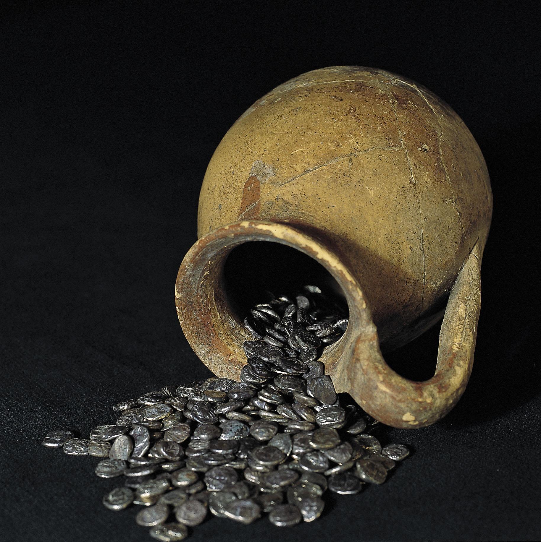 Diverses autoritats - Tresor de la neàpoli d'Emporion - 395-375 aC