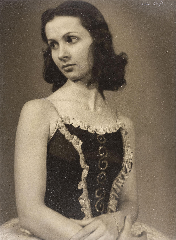 Otho Lloyd - Retrat de noia - Cap a 1944-1950