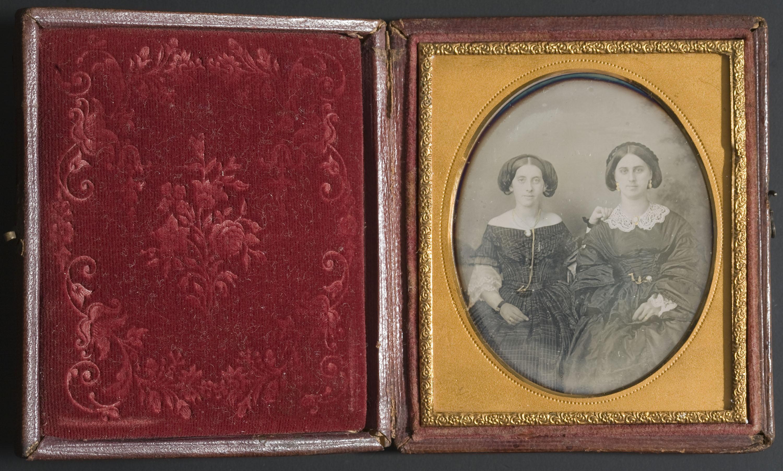 Anònim - Portrait of two women - Between 1839-1860