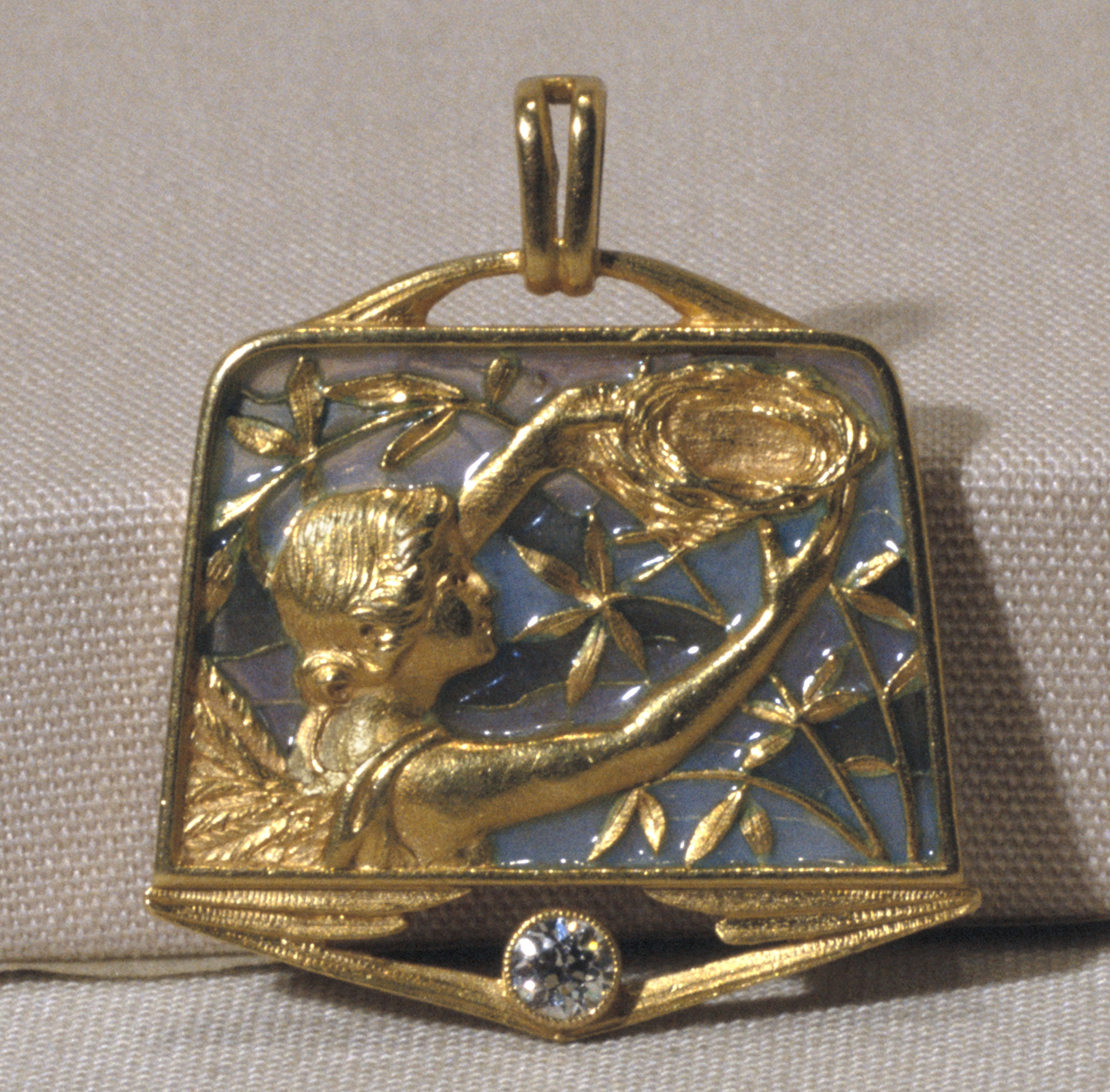 Lluís Masriera - Brooch with Angel and Nest - Circa 1911