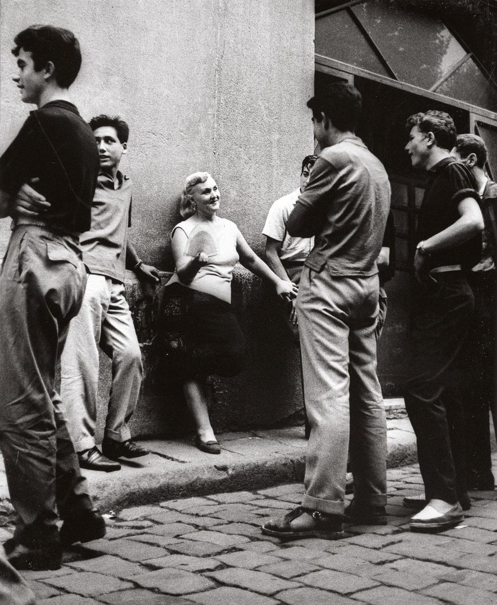 Joan Colom, El carrer, 1960. Donació de l'autor al Museu Nacional. © Joan Colom