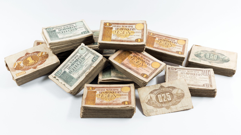 Conjunt de 1373 bitllets emesos durant la Guerra Civil pel Consell Municipal de les Franqueses del Vallès.