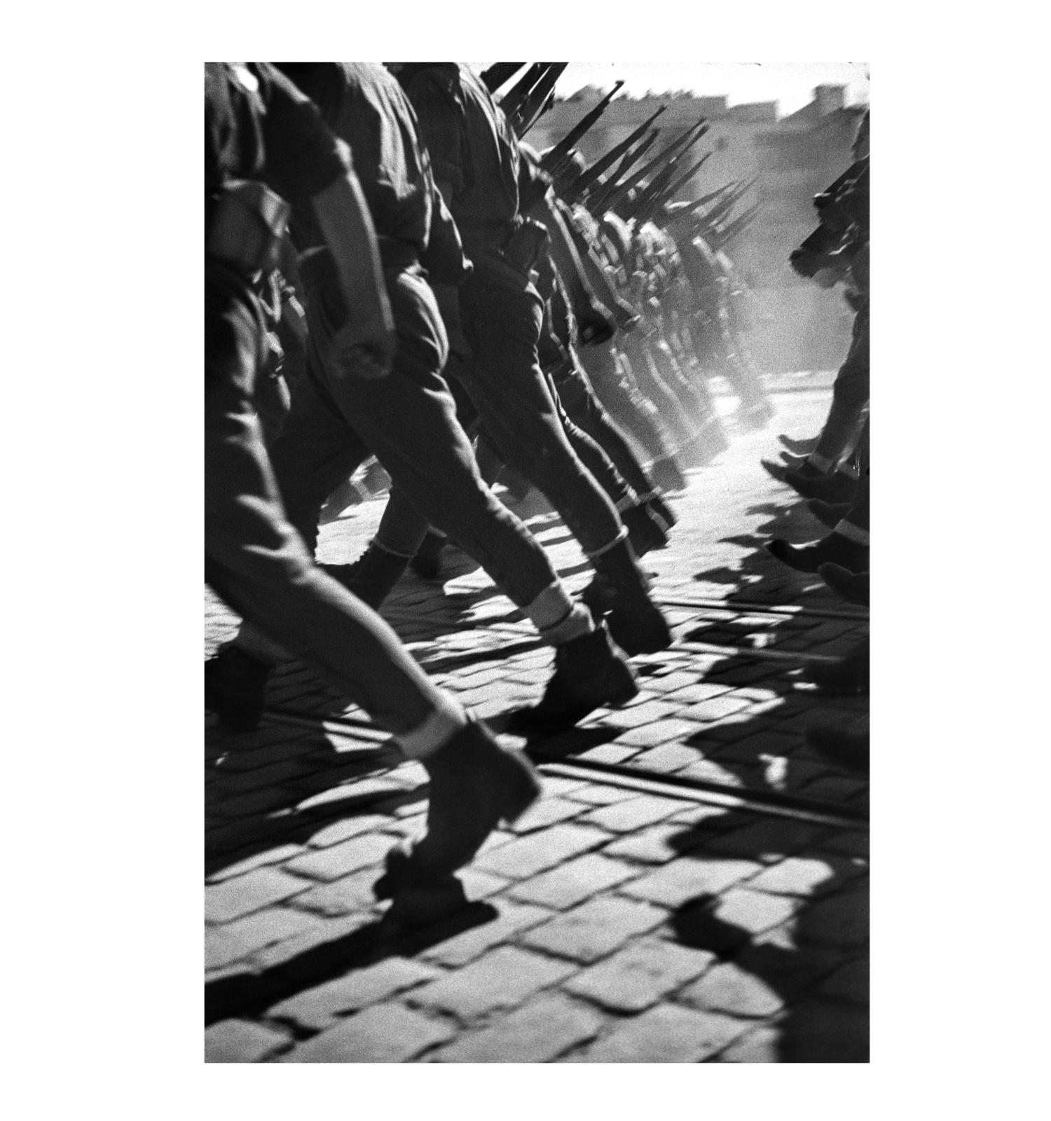 Antoni Campañà. Tropes italianes a la Desfilada de la Victoria franquista, 21 de febrer de 1939. Arxiu Campañà