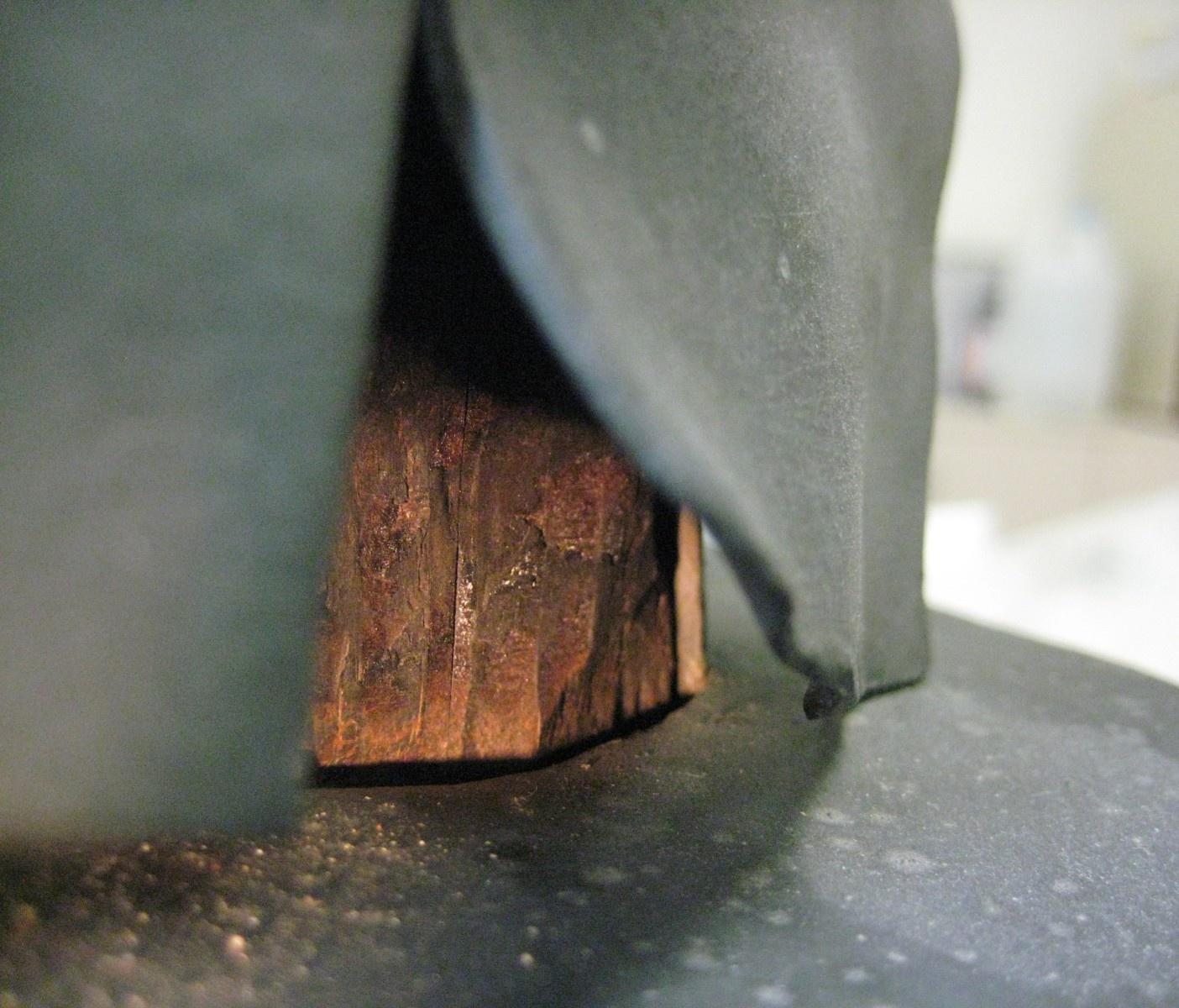 Materials incompatibles, El Violinista