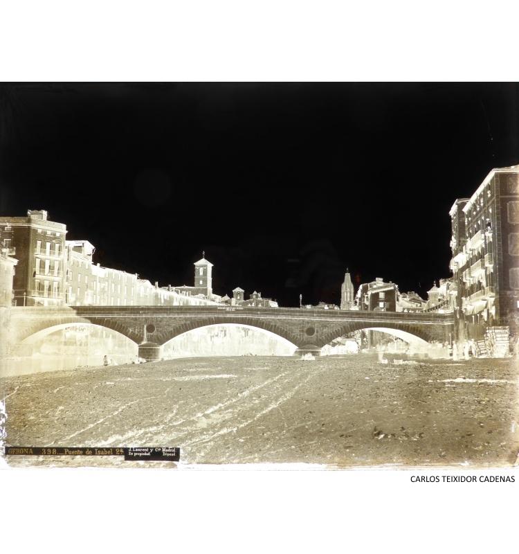 Pont de Pedra de Girona, Espanya, cap a 1867. Fotografia José Martínez Sánchez