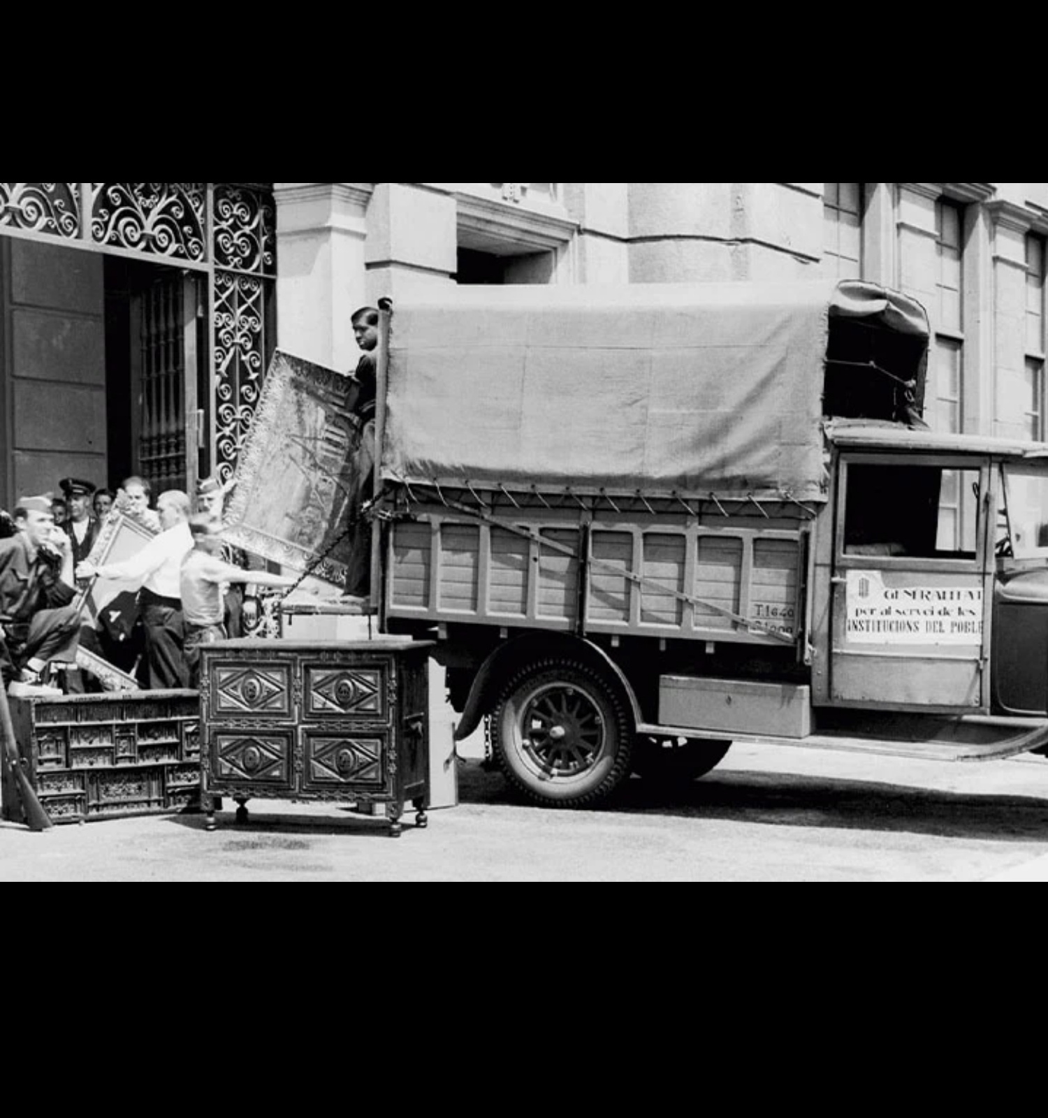 Entrada de les obres requisades, juliol 1936. © Arxiu Fotogràfic de Barcelona. Joan Vidal Ventosa