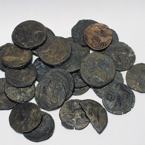 Diverses autoritats - Tresor del sud de la neàpoli d'Empúries - Mitjan segle I aC