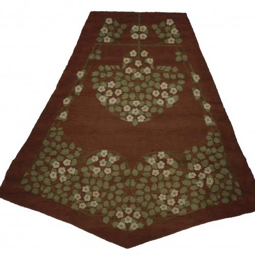Gaspar Homar - Pentagonal carpet with plant motifs - 1907