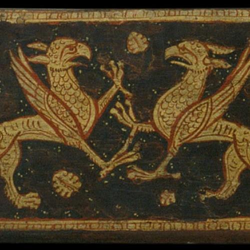 Anònim. Catalunya - Fragment de biga d'enteixinat amb grius enfrontats, motius vegetals i entrellaçats - Cap a 1300