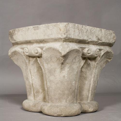 Anònim - Capitell de columna quadrilobada - Segona meitat del segle XIII