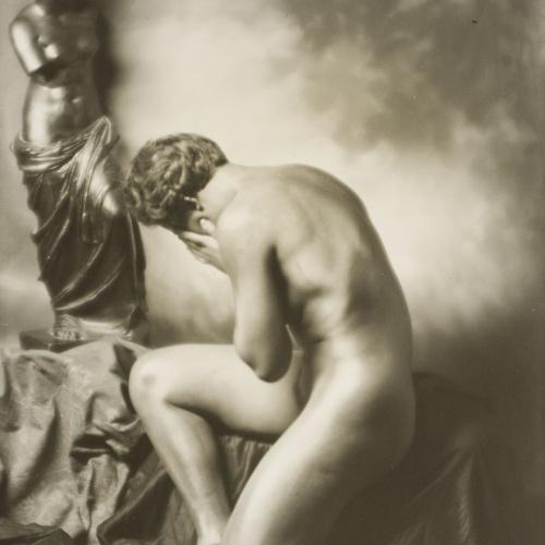 Josep Masana - Nude with a copy of the 'Venus the Milo' - Circa 1933