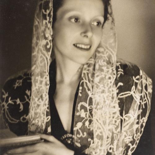 Otho Lloyd - Retrat de dona - Cap a 1944