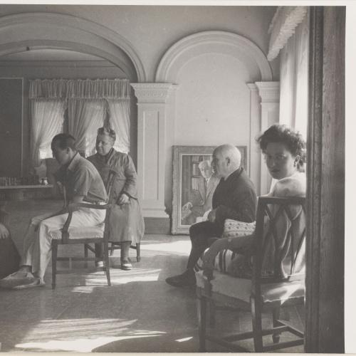 Otho Lloyd - Interior d'una casa amb homes jugant a escacs - Cap a 1944-1950