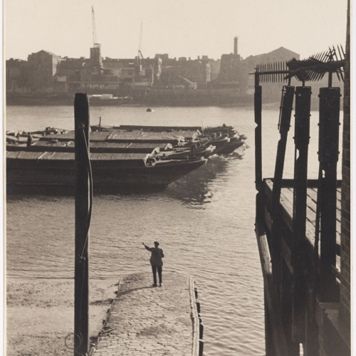 Otho Lloyd - East End (Londres) - Cap a 1946