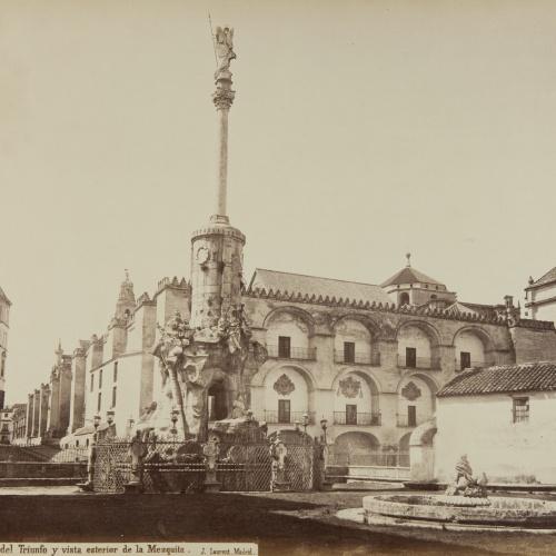 Jean Laurent - Córdoba. Plaza del Triunfo y vista esterior de la Mezquita - Circa 1865