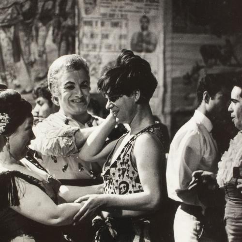 Oriol Maspons - Sense títol (Bar Copacabana, foto fixa per a la pel·lícula «Lejos de los árboles») - 1965