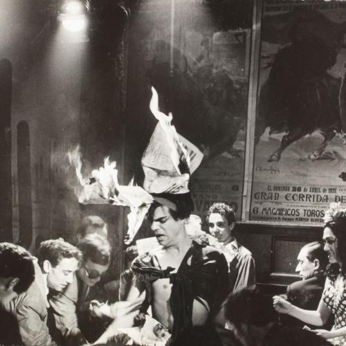 Oriol Maspons - Sense títol (Bar Copacabana, foto fixa per a la pel·lícula «Lejos de los árboles») - Abril de 1965