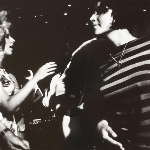 Oriol Maspons - Sense títol (Discoteca Tiffany's, foto fixa per a la pel·lícula «Lejos de los árboles», Platja d'Aro) - Cap a 1970