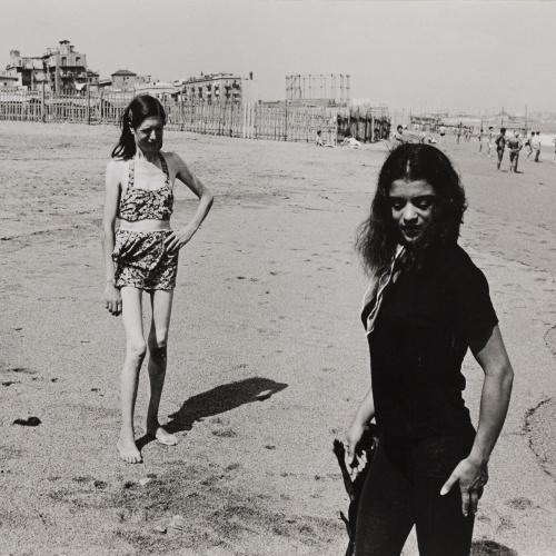 Oriol Maspons - Sense títol (La Chunga, platja del Somorrostro, Barcelona) - 1958