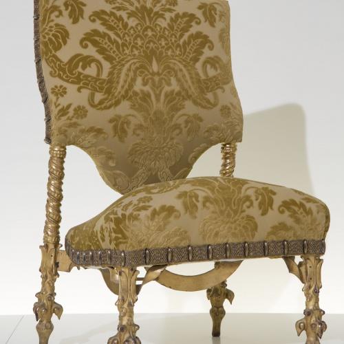 Antoni Gaudí - Cadira del saló del pis principal de la Casa Calvet - Cap a 1900 [1]