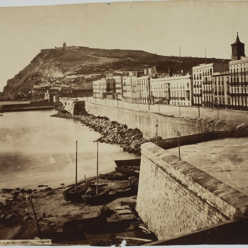 Charles Clifford - Muralla del mar y fortaleza de Montjuich (Barcelona) (The sea wall and the fortress of Montjuich) - 1860